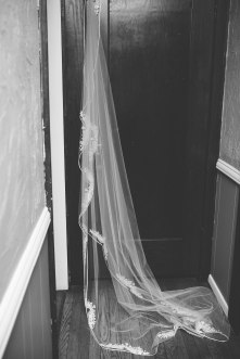 I love a long veil!